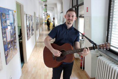 Prva privatna gimnazija – Otvoreni dan 2018. – gitara